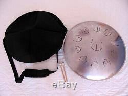 Steel Tongue Drum Equinox scale 11 Töne mit Tasche und 2 Drumsticks